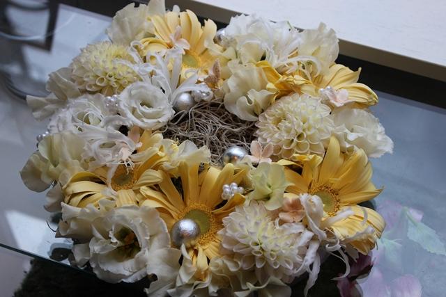 【送料無料】ホワイト リ~ス【お花 クリスマス お祝い プレゼント 贈り物】【花・ガーデン・DIY > フラワー】記念日向けギフトの通販サイト「バースデープレス」