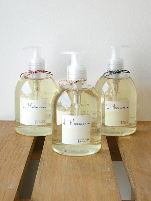 自然を感じるおだやかで清々しい3つの香り 【ロタンティック L'Harmonie - アルモニ - リキッドソープ(液体石けん)】::1759【バッグ・小物・ブランド雑貨】記念日向けギフトの通販サイト「バースデープレス」