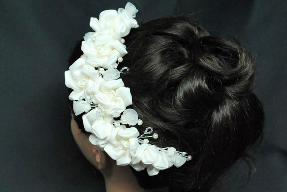 バラの花のヘアーアクセサリー【ウエディング ブライダル 結婚式 結婚祝い お祝い】【ジュエリー・アクセサリー】記念日向けギフトの通販サイト「バースデープレス」