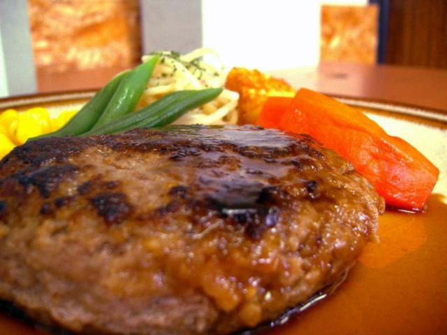 オリジナルハンバーグ(5個入り)【ハンバーグ お弁当 お肉 贈り物 ギフト バースデー パーティー 誕生日 お祝い】【食品 > 肉・肉加工品】記念日向けギフトの通販サイト「バースデープレス」