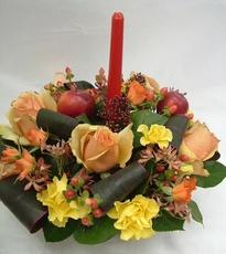 クリスマスギフト(リースアレンジ・赤バラ)【フラワーギフト お祝い ギフト プレゼント 贈り物】【花・ガーデン・DIY > フラワー】記念日向けギフトの通販サイト「バースデープレス」
