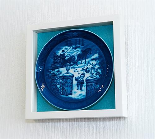 ロイヤルコペンハーゲンイヤープレート専用フレーム(バックカラー/ブルーグリーン)::1996【ジュエリー・アクセサリー】記念日向けギフトの通販サイト「バースデープレス」