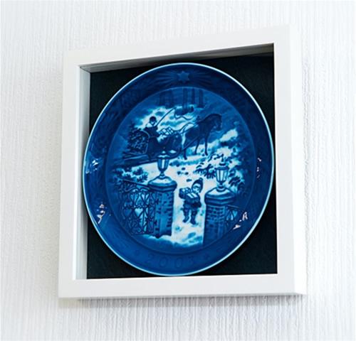 ロイヤルコペンハーゲンイヤープレート専用フレーム(バックカラー/ダークグレイ)::1996【ジュエリー・アクセサリー】記念日向けギフトの通販サイト「バースデープレス」