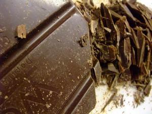 クーベルチュール ノワールレコルタ(カカオ55%チョコレート) フランス産 1kg ヴェイス社【チョコレート カカオ 高級 スイーツ バレンタイン 贈り物 お菓子作り ギフト プレゼント】【スイーツ】記念日向けギフトの通販サイト「バースデープレス」