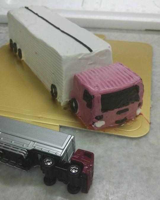 乗り物デコレーションケーキ 4号 12cmの画像5枚目