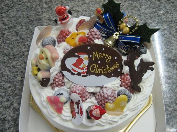 【クリスマスケーキ2016】粉糖 苺デコレーションケーキ5号(直径15cm)の画像1枚目