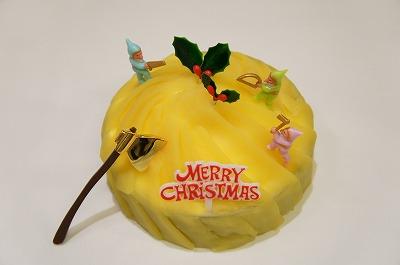 【送料無料】デコレーションケーキ:サンタさんのお山(ラム酒風味のモンブラン)4号(12cm)