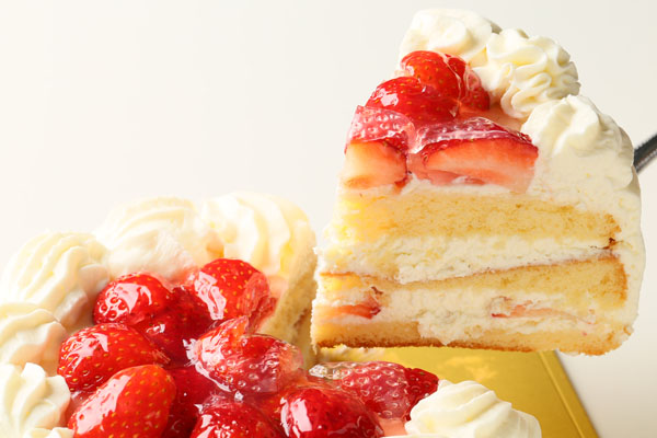 卵・乳製品・小麦粉除去 苺デコレーションケーキ 6号 18cmの画像3枚目