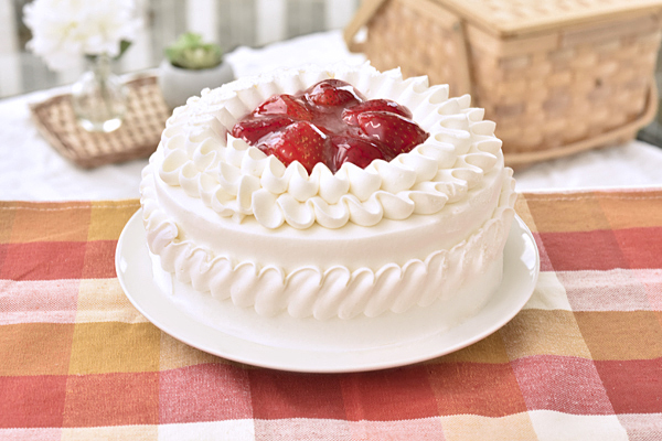 生クリームデコレーションケーキ4号【誕生日 バースデーケーキ いちご】の画像1枚目