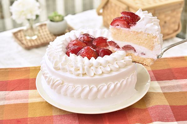 生クリームデコレーションケーキ4号【誕生日 バースデーケーキ いちご】の画像2枚目