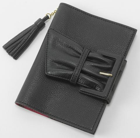 手帳カバー(ジンバブエブラック×紅)::3023【バッグ・小物・ブランド雑貨】記念日向けギフトの通販サイト「バースデープレス」