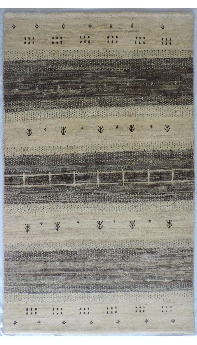イラン産手織りギャッベ1335(横81cm×縦137cm)::3180【バッグ・小物・ブランド雑貨】記念日向けギフトの通販サイト「バースデープレス」