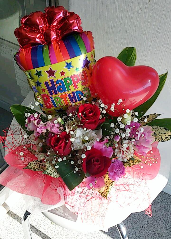 お誕生日に♪Happy Birthdayバルーンフラワーアレンジメント 【送料無料】