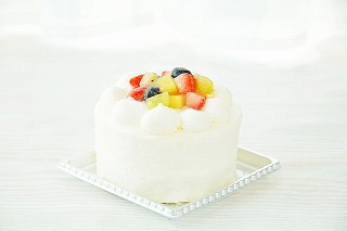 フルーツデコレーションケーキ3号【スイーツ 誕生日 バースデー】の画像1枚目
