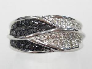 K18WG ホワイトゴールドダイヤモンド/ブラックダイヤモンド リング【10P12Jul14】::3324【バッグ・小物・ブランド雑貨】記念日向けギフトの通販サイト「バースデープレス」
