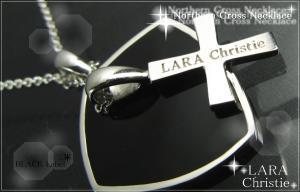 ララクリスティー LARA Christie ノーザンクロス ネックレス [BLACK Label] 【送料無料】【即納】【プレゼントに最適♪】【10P12Jul14】::3324【バッグ・小物・ブランド雑貨】記念日向けギフトの通販サイト「バースデープレス」