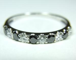 プラチナ ダイヤモンド/ブラックダイヤモンドリング【10P12Jul14】::3324【バッグ・小物・ブランド雑貨】記念日向けギフトの通販サイト「バースデープレス」