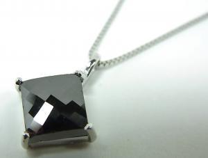 K18WGブラックダイヤモンドペンダントネックレス 1,00CT【10P12Jul14】::3324【バッグ・小物・ブランド雑貨】記念日向けギフトの通販サイト「バースデープレス」