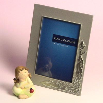 フォトフレームロイヤルセランゴール ピオニーPEONY(牡丹)キャビネ版::3334【バッグ・小物・ブランド雑貨】記念日向けギフトの通販サイト「バースデープレス」