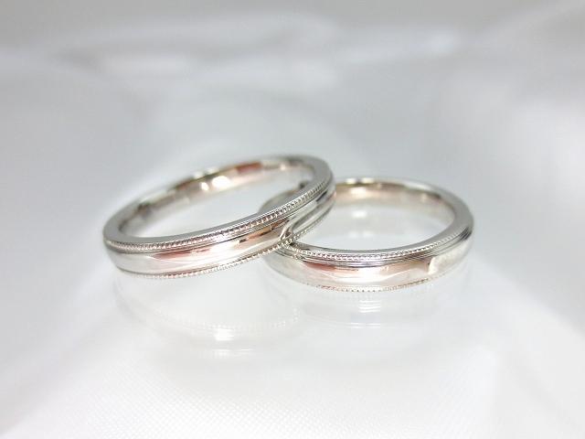 結婚指輪 プラチナマリッジリングペア ミル打ち::3436【ジュエリー・アクセサリー > ブライダルジュエリー > 結婚指輪(マリッジリング)】記念日向けギフトの通販サイト「バースデープレス」
