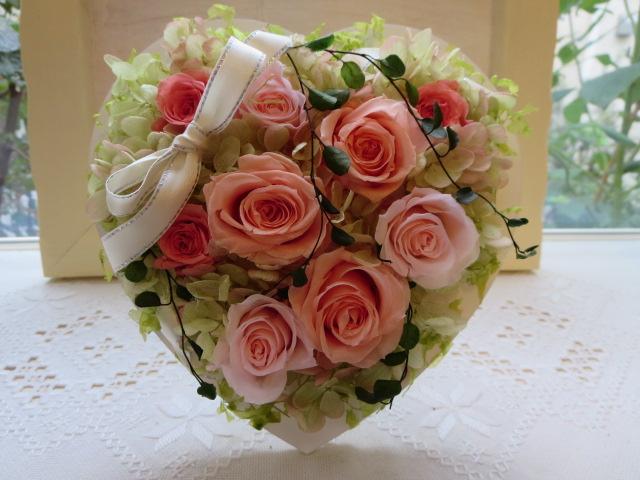 乙女心をくすぐハートのフレーム::3631【花・ガーデン・DIY > フラワー】記念日向けギフトの通販サイト「バースデープレス」