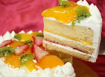 フルーツデコレーションケーキ5号(直径15cm)【誕生日 バースデー バースデーケーキ ケーキ】の画像2枚目