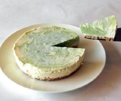 抹茶のレアチーズケーキ5号(15cm)【バースデーケーキ 誕生日ケーキ デコ バースデー】の画像1枚目