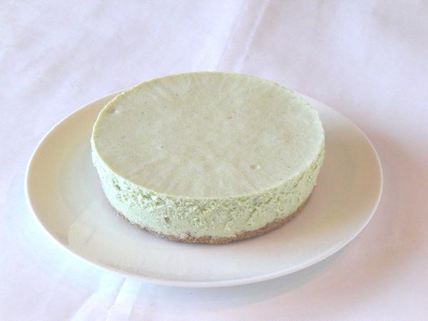 栗と抹茶のレアチーズケーキ6号(18cm)【バースデーケーキ 誕生日ケーキ デコ バースデー】の画像2枚目