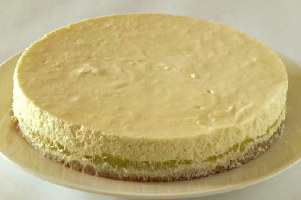さつまいものレアチーズケーキ5号(15cm)の画像1枚目