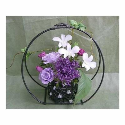 風水とパワーストーンのダブルパワーアナスタシア菊とデンファレとバラのアレンジ 送料無料