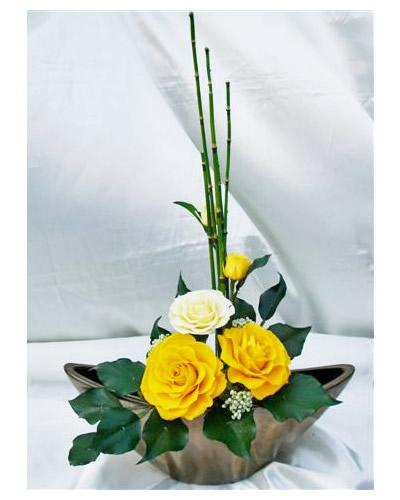 和風 和み 山吹 黄色いバラのアレンジ 送料無料