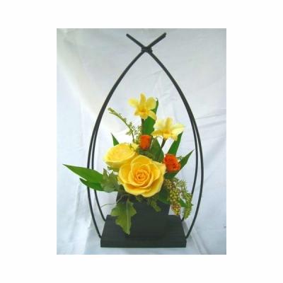 和風やわらぎ黄色いバラのアレンジ 送料無料