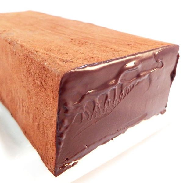 通常の50倍サイズのレンガ生チョコレート