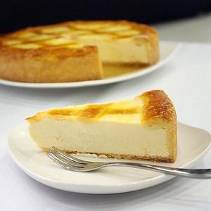 〔チーズから手作り〕トロイカ・オリジナル・ベークド・チーズケーキ・7号