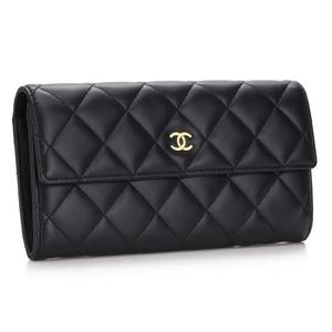 女性に人気アイテムの財布を誕生日プレゼントに♪