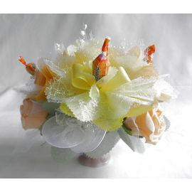 バラとスイーツフラワー イエロー(小)【誕生日 贈り物 プレゼント お祝い ギフト 花 フラワー】の画像1枚目