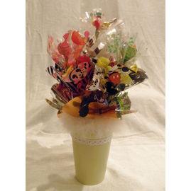 お菓子いっぱいツリー【誕生日 贈り物 プレゼント お祝い ギフト 花 フラワー】の画像1枚目