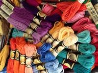 CXC 25番刺しゅう糸【お得な447本セット】 ミサンガ編みにP06Dec14
