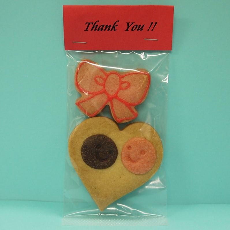 名入れヘッダー付きリボンハートクッキー::640【バッグ・小物・ブランド雑貨】記念日向けギフトの通販サイト「バースデープレス」