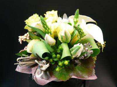 オシャレな方へ気持ちを届けます。(0.5)【花 フラワー フラワーギフト 誕生日 プレゼント】の画像1枚目