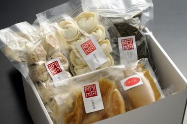 フカヒレ・点心セット(フカヒレ姿煮と点心3種類)【中華 ギフト 贈り物】【食品】記念日向けギフトの通販サイト「バースデープレス」