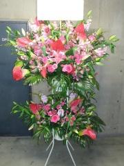 全国手配 ライトピンク濃淡 スタンド花2段 28