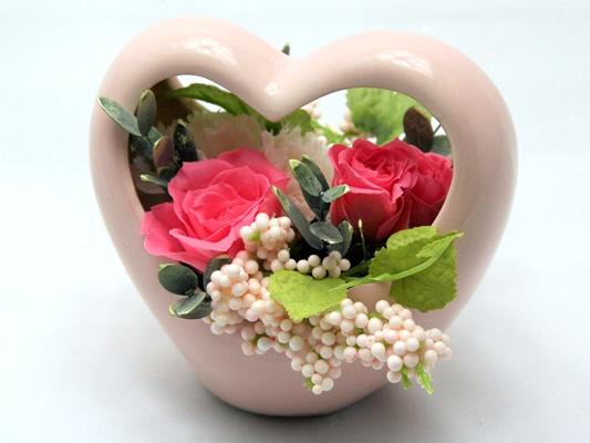 母の日のプレゼントに!プリザーブドフラワースモールフラワー・ライン(ピンク・ハート)【プリザーブドフラワー アレンジメント フラワーギフト プレゼント 母の日】【花・ガーデン・DIY > フラワー】記念日向けギフトの通販サイト「バースデープレス」