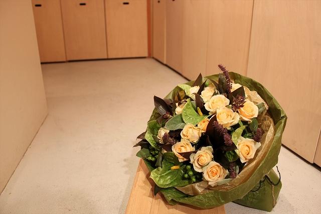 『コトバナ』 ナチュラルバラの花束 【贈り物 花 ギフト 動画 サプライズ 誕生日 記念日】の画像2枚目