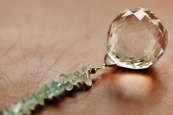 天然石 スワロフスキーサンキャッチャー アクアマリン&マザーオブパール【幸福・幸せな結婚】【誕生日 バースデー ギフト 贈り物 プレゼント お祝い ジュエリー 宝石 インテリア】の画像2枚目