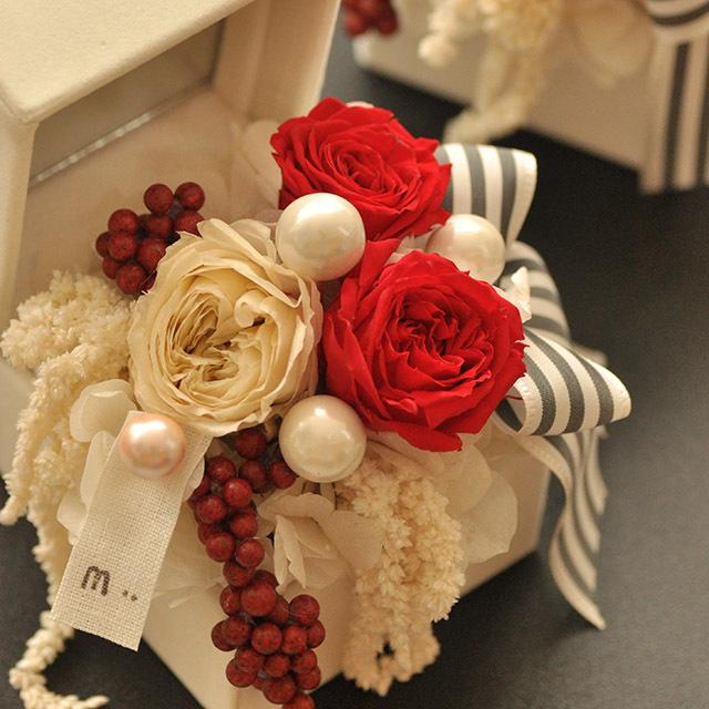 デザイナーズプリザーブド ホワイトボックス【花・ガーデン・DIY > フラワー】記念日向けギフトの通販サイト「バースデープレス」