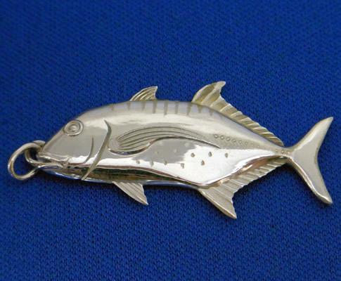 GT(シルバー)【誕生日 バースデー ギフト 贈り物 プレゼント 記念品 アクセサリー  ストラップ 魚】の画像1枚目