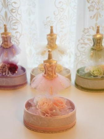 【送料無料】バレリーナのアレンジメント  ピンク designed by Yoko【プリザーブドフラワー アレンジメント フラワーギフト プレゼント 誕生日 贈り物 プレゼント】の画像1枚目