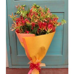 グロリオサ お好きな本数で花束お作りします。 お祝い・開店御祝・新築祝い」 「誕生日」「お祝い」「お見舞い」「入学祝い」「ギフト」