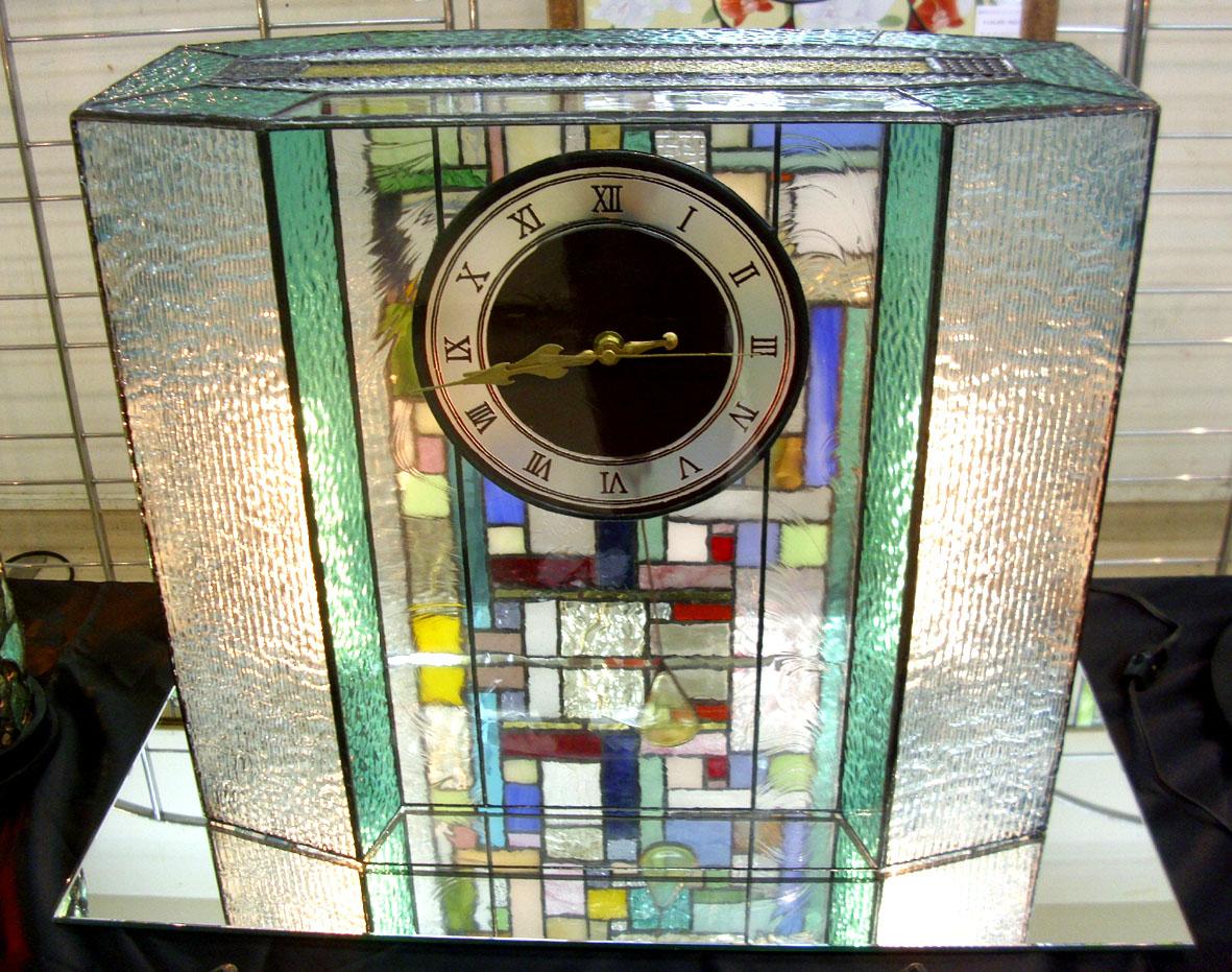 ステンドグラス置時計(照明付き)::990【インテリア・寝具・収納 > インテリア小物・置物】記念日向けギフトの通販サイト「バースデープレス」